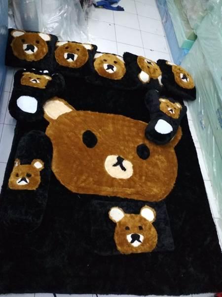 Karpet rasfur karakter Panda